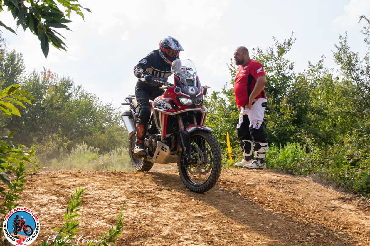 Corso di guida enduro Multilivello con Africa Twin di True Adventure Off Road Academy